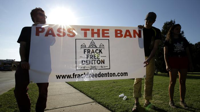 denton-texas-banned-fracking-but-the-drillers-are-back-1433185065