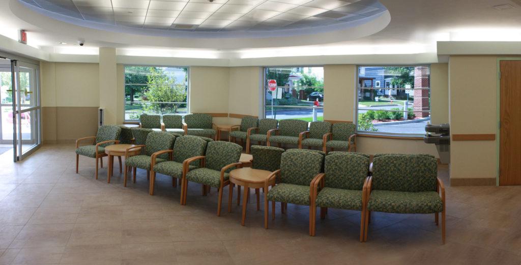 636019361323024372132055686_Waiting-Room-hospital-in-Oswego-Hospital-NewEDwaitingroom
